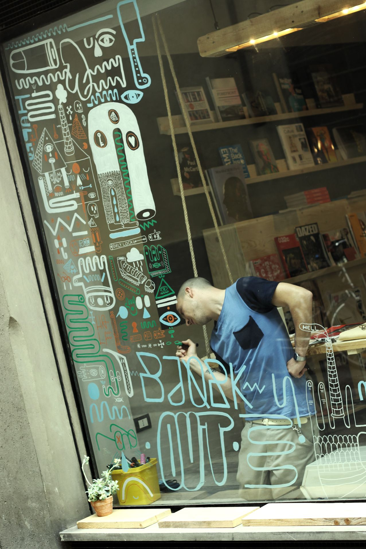 Writing On Window The Scribble Of The Drawings Store
