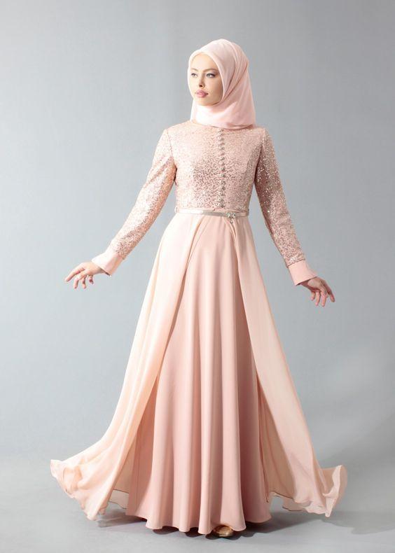 Tesettur Abiye Modelleri Pembe Uzun Onden Dugmeli Tul Pelerinli Etek Elbise Modelleri Elbise Giyim
