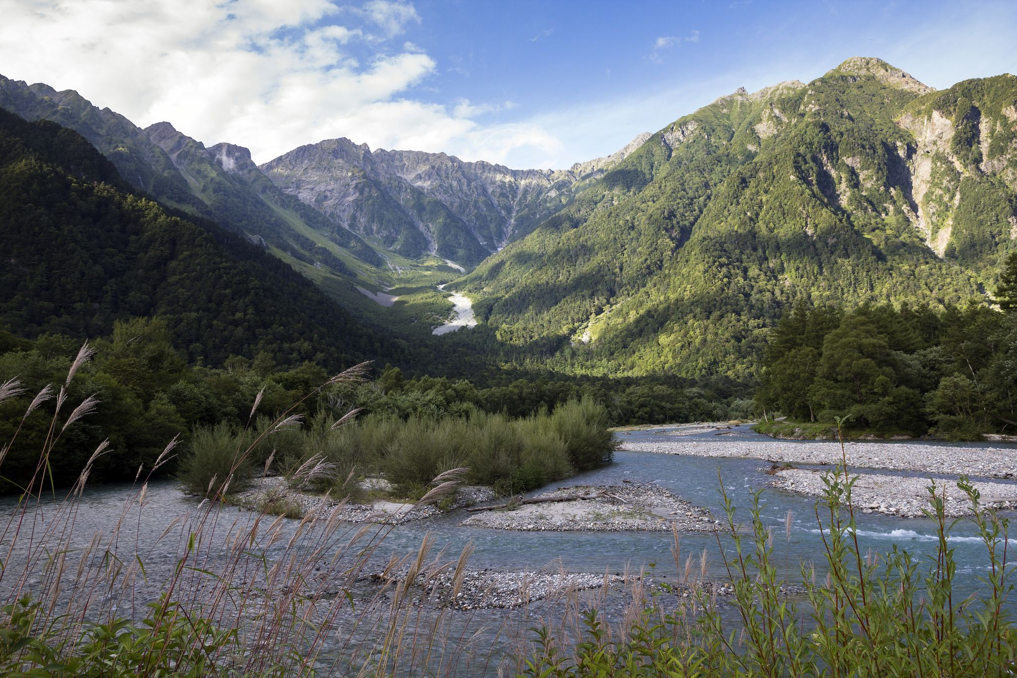 https://flic.kr/p/GvYhBh | The river and the mountains | The Kamikochi valley