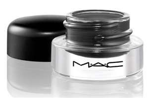 MAC's Fluis line cream liner is a must! A bit tricky to get the hang of at first but once you've got the hang of it you're GOLDEN! stays on great!