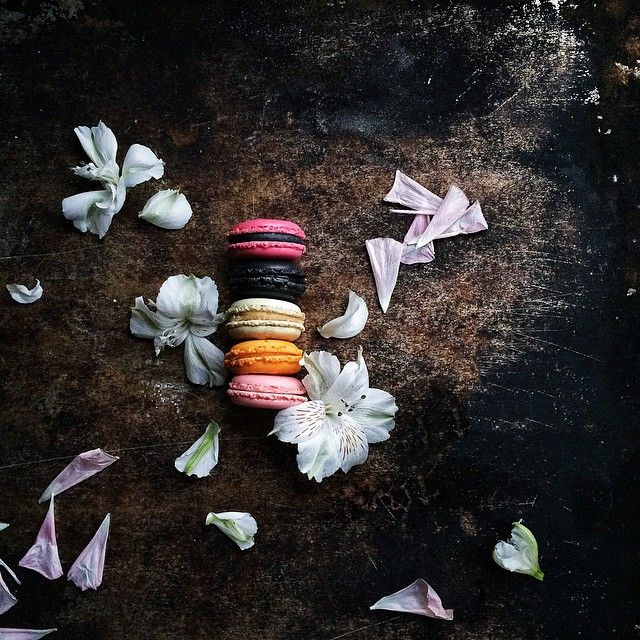 Brightening up this rainy Monday with some colorful macarons