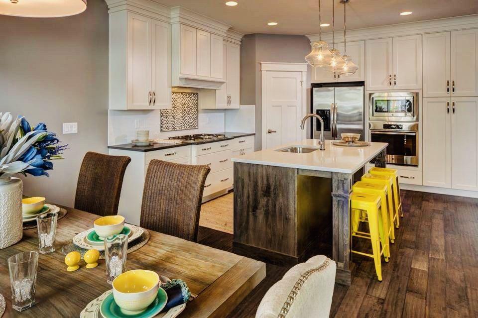 sunny kitchen  traditional kitchen design classic white