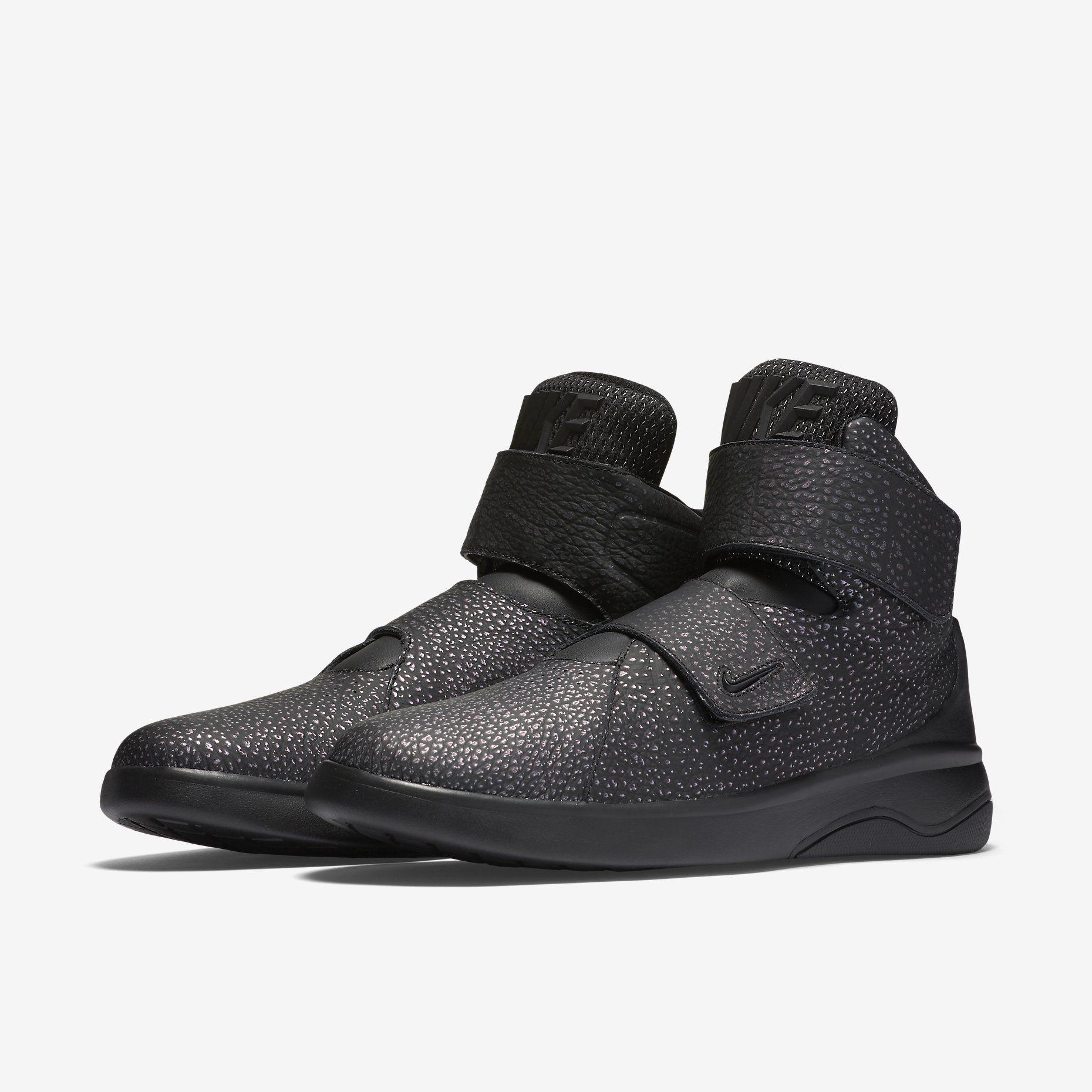 factory authentic e6419 f9c8a Nike Marxman premium QS Sneaker Release, New Trainers, Fashion Shoes, Mens  Fashion,