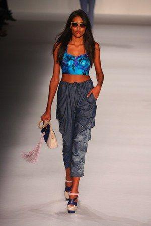 Balanço da Gloria: verão 2013 vai ser do bustiê e do shortinho efeitado, segundo desfiles do Fashion Rio | Chic - Gloria Kalil: Moda, Beleza, Cultura e Comportamento