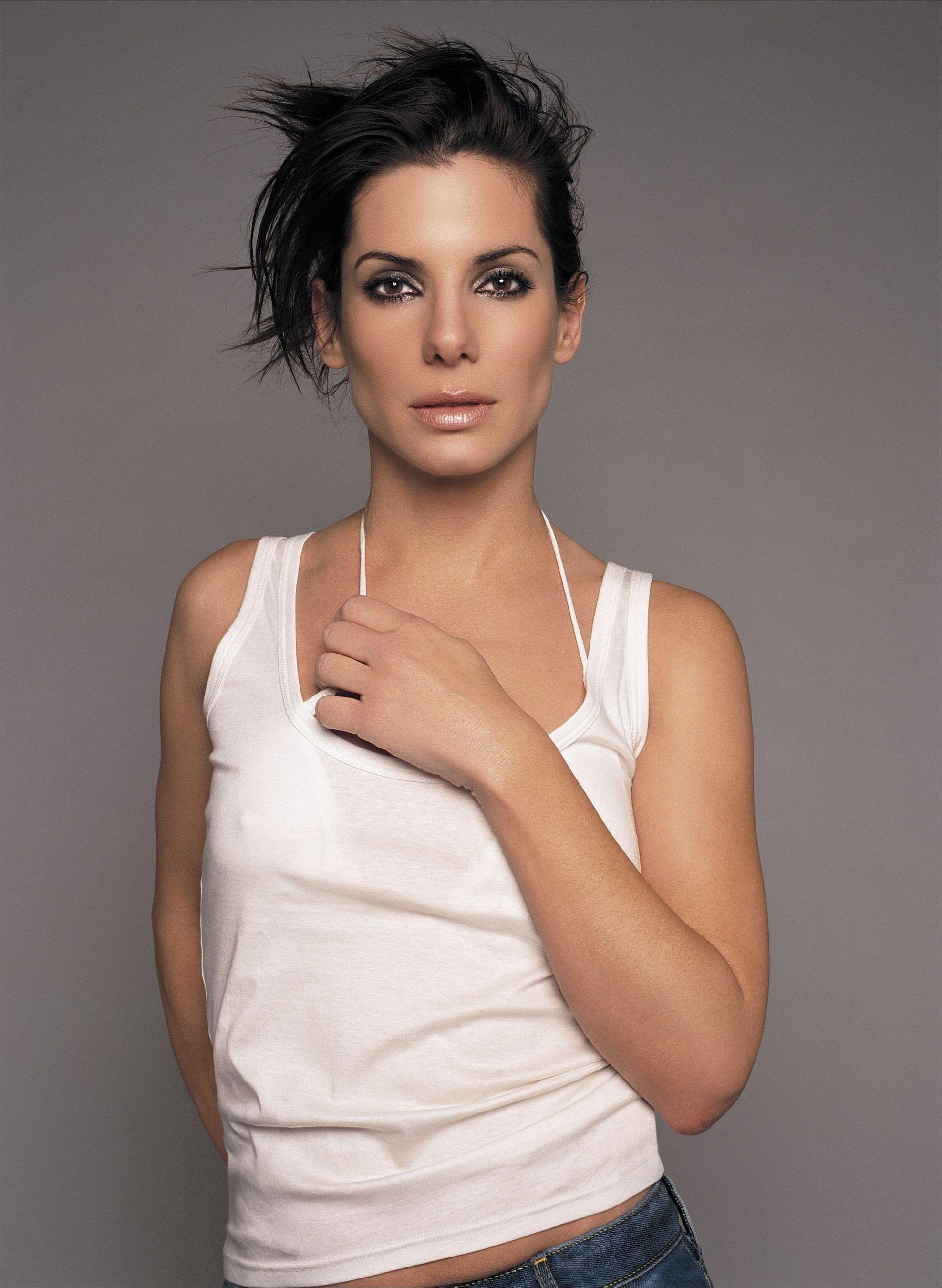 Sandra model nude smokey eyes nude lip makeup sandra bullock