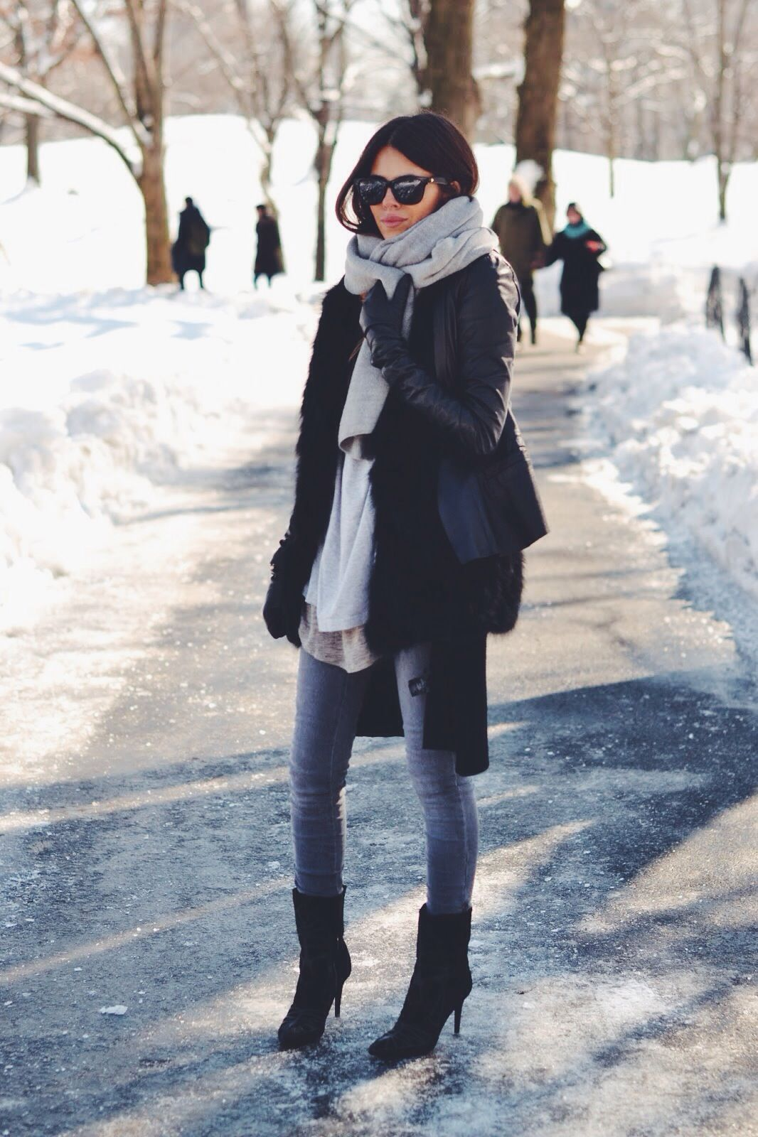 f2bce08ea70 Pretty winter outfits to try this year Winter Chic