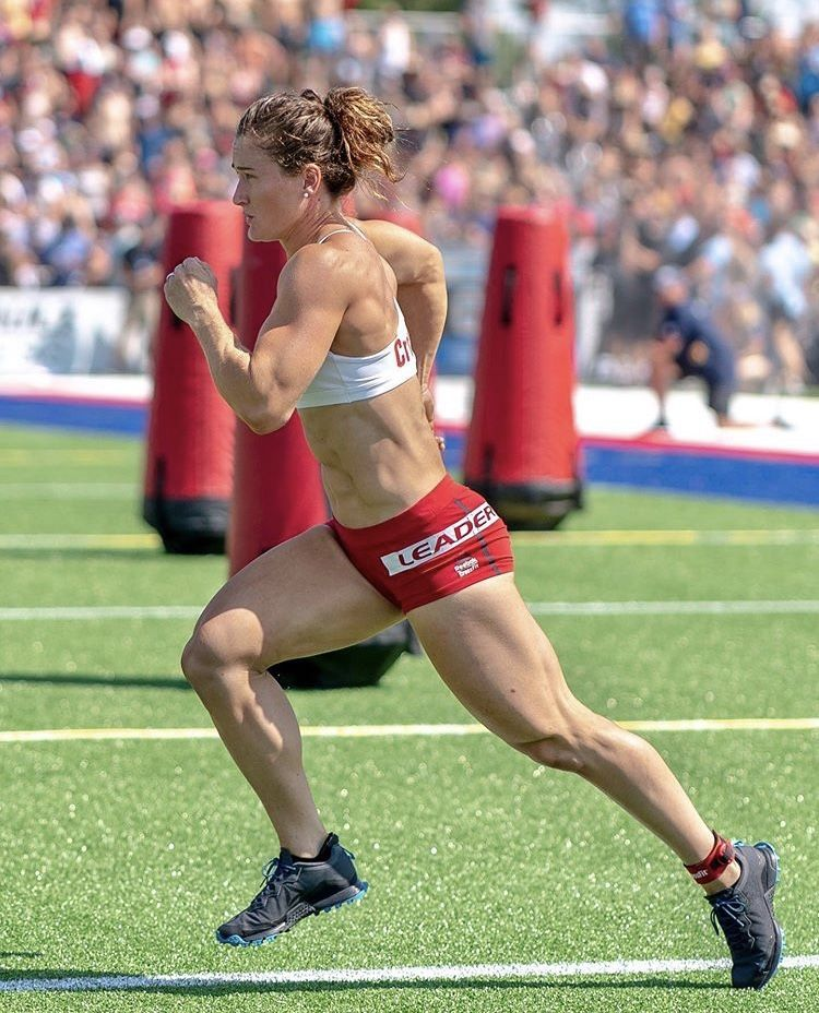 Beautifulwomennaturally Womenpowerlifters In 2020 Workout Motivation Women Female Crossfit Athletes Crossfit Girls