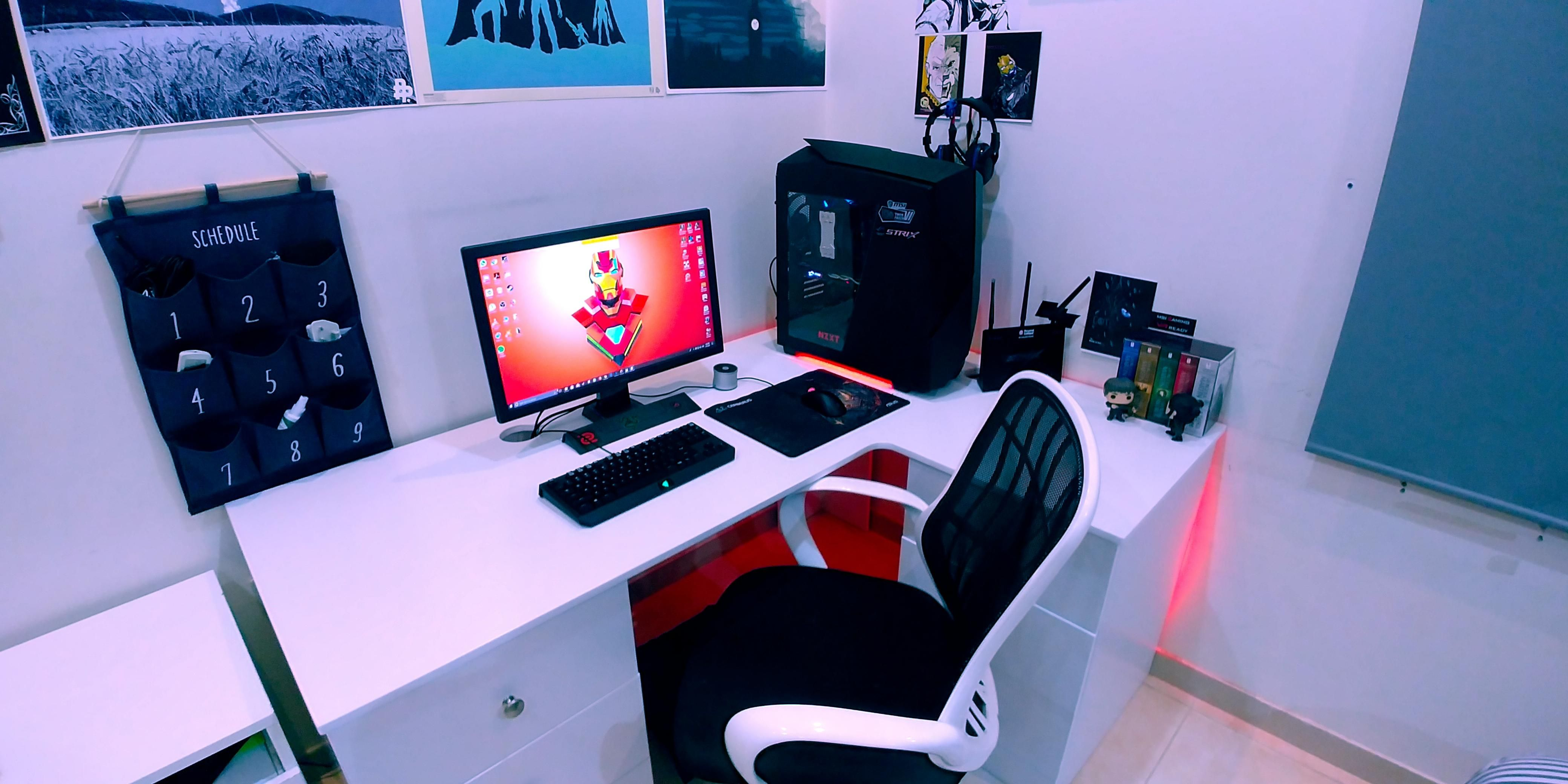 Bad Gaming Setup Not Bad For A Beginner Gamming Rooms In 2019 Pc Gaming Setup