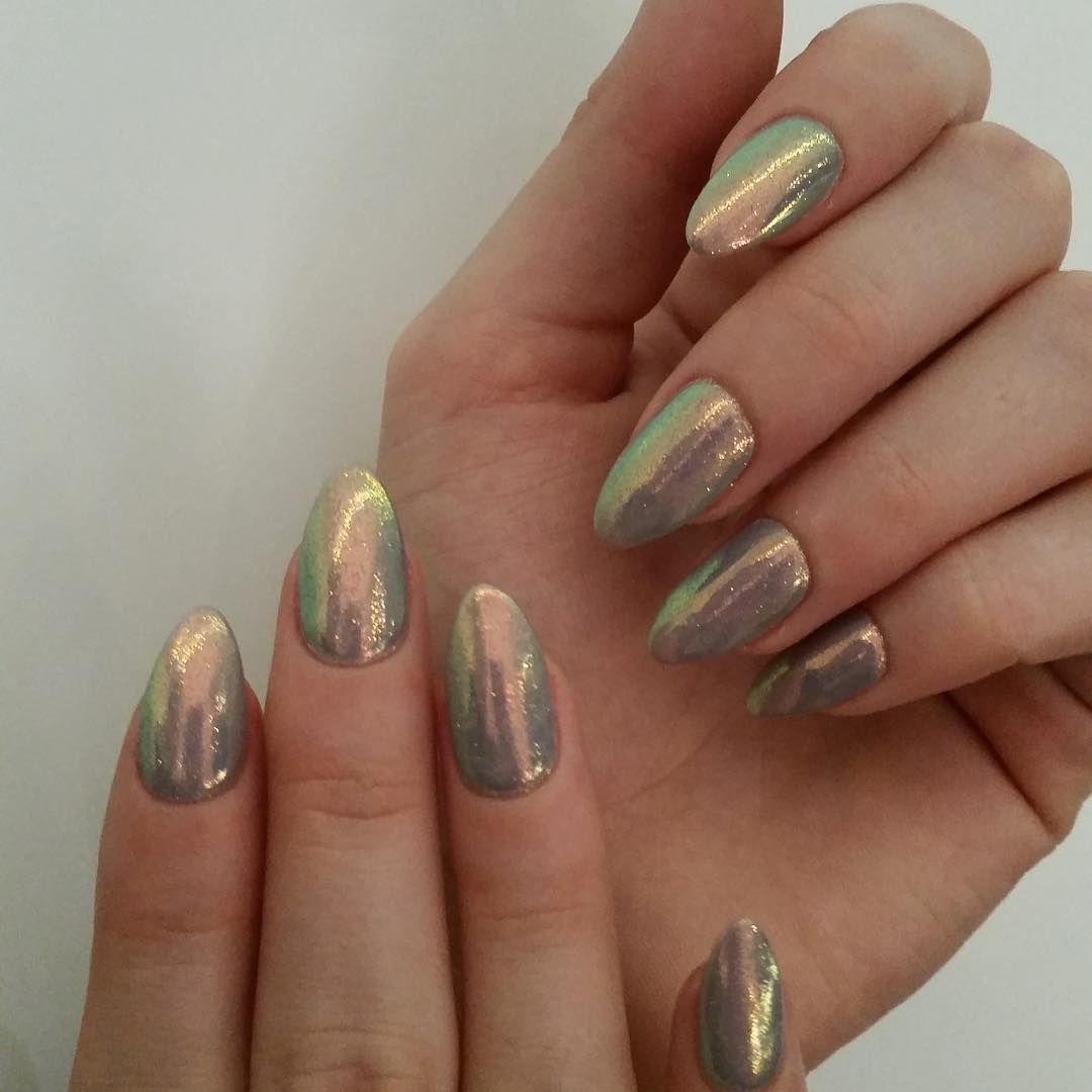 Friday Mani #efektsyrenki #nail #nails #nailspa #nailspapoland #nailspapolandmarzenakanclerska