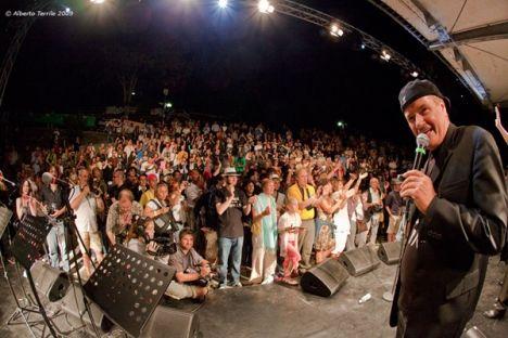 Il Porretta Soul Festival. Manifestazione che ogni anno a luglio richiama migliaia di appassionati del soul, gospel e musica nella cittadina termale.