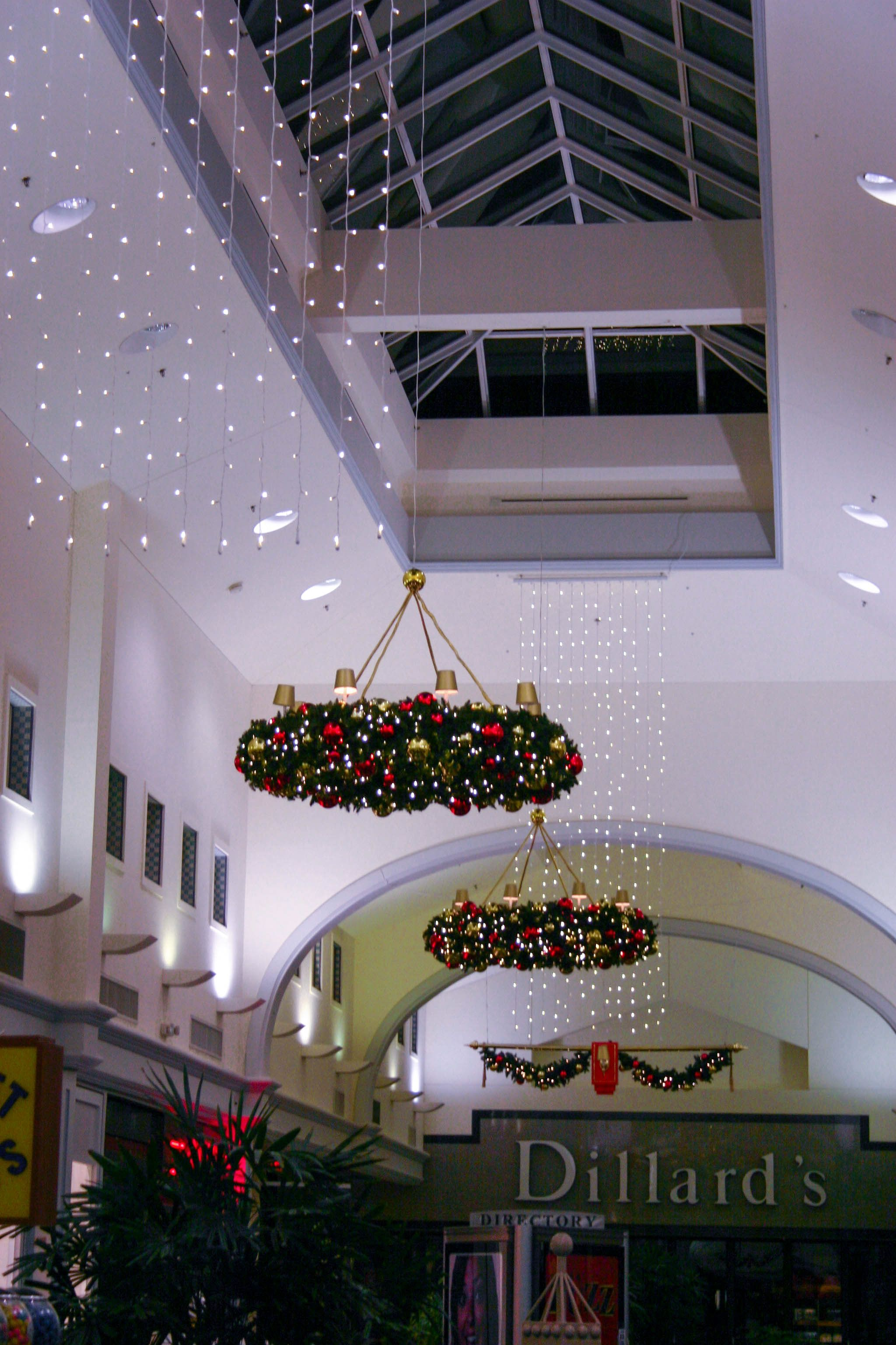 Ceiling Decorations For Bedroom: #Christmas Wreaths Adorn The Ceiling. For More Information