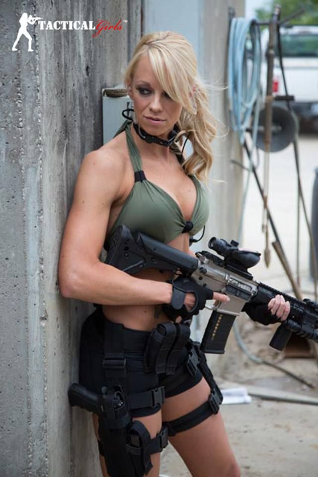 Tacgirl Janna Reeves Tactical Zombie Team Girl Guns