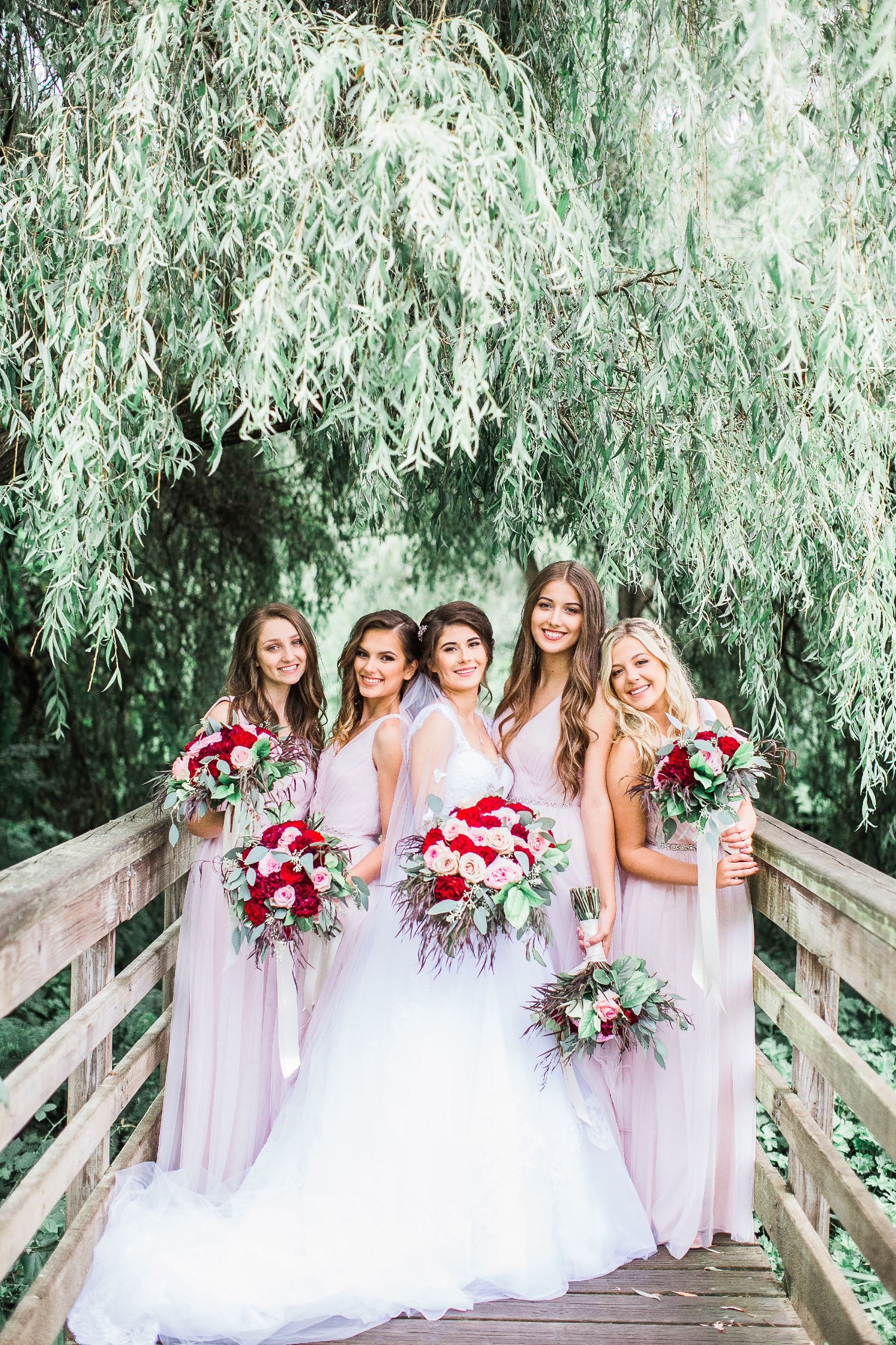 Blush & Burgundy color tones 👑 #pinkandburgundywedding #Bridesmaiddresses #Rosegardenbouquets