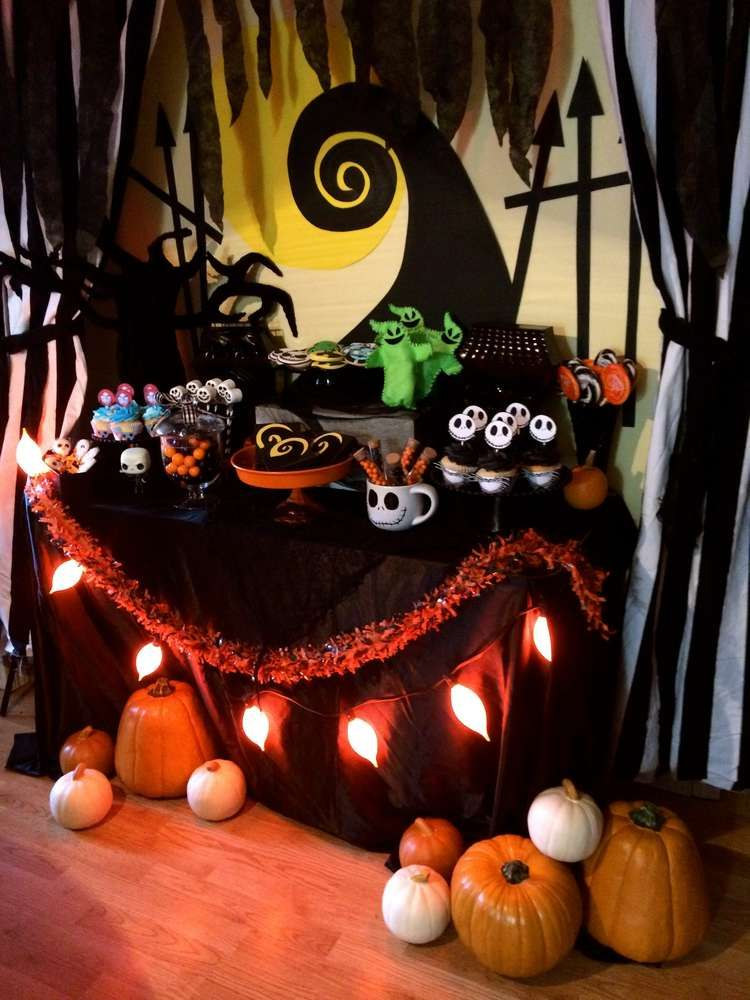 Halloween Theme Party Ideas.Haunting Decorations For The Tim Burton Themed Halloween Party Of