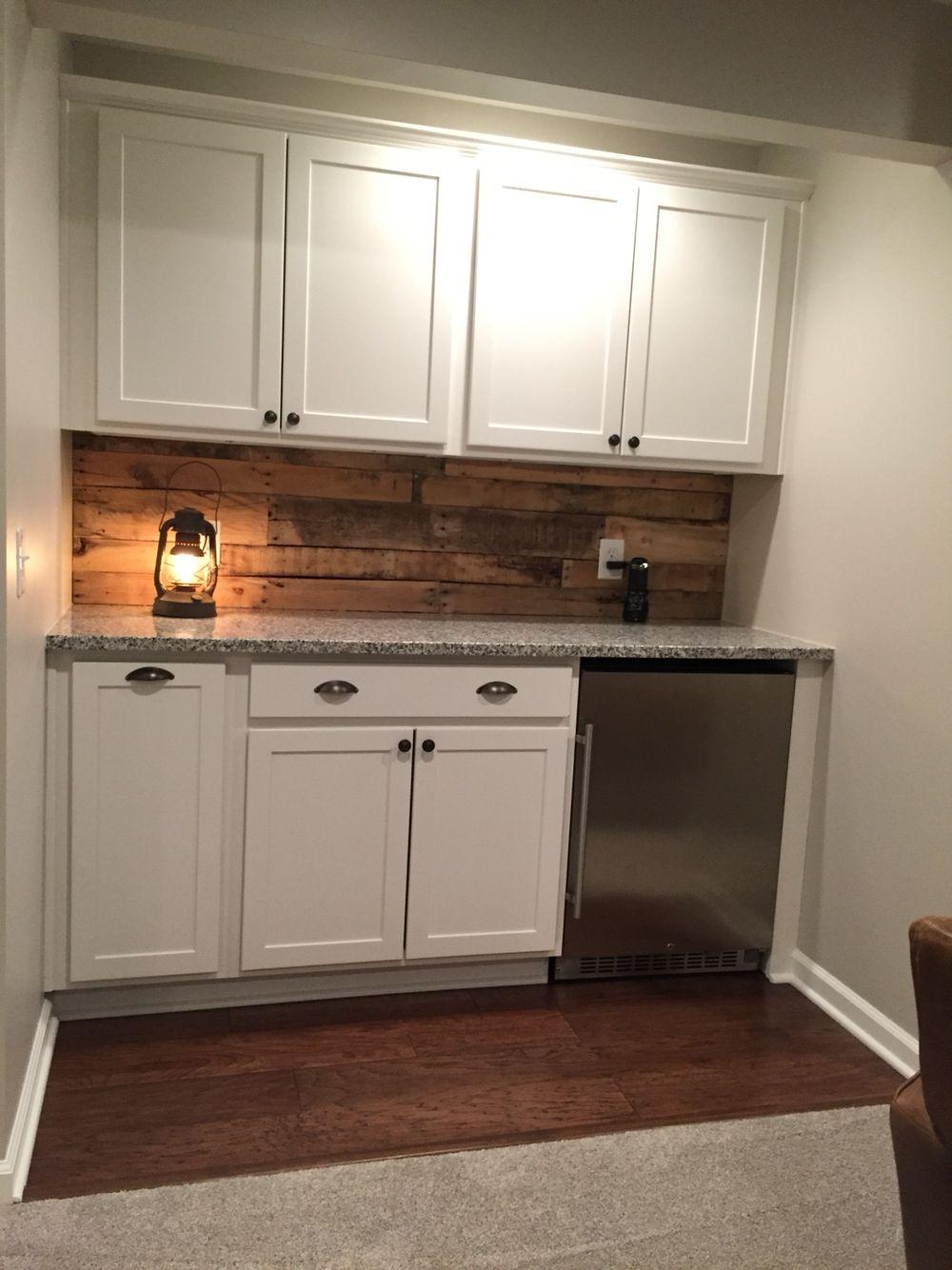 - Dry Bar With Pallet Wood Backsplash Pallet Wood Backsplash