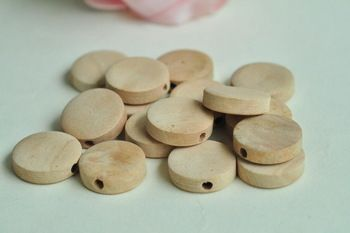 30pcs 15mm x 4.5mm Unfinished Flat Round Natural Wood Beads - No Varnish & No Lacquer