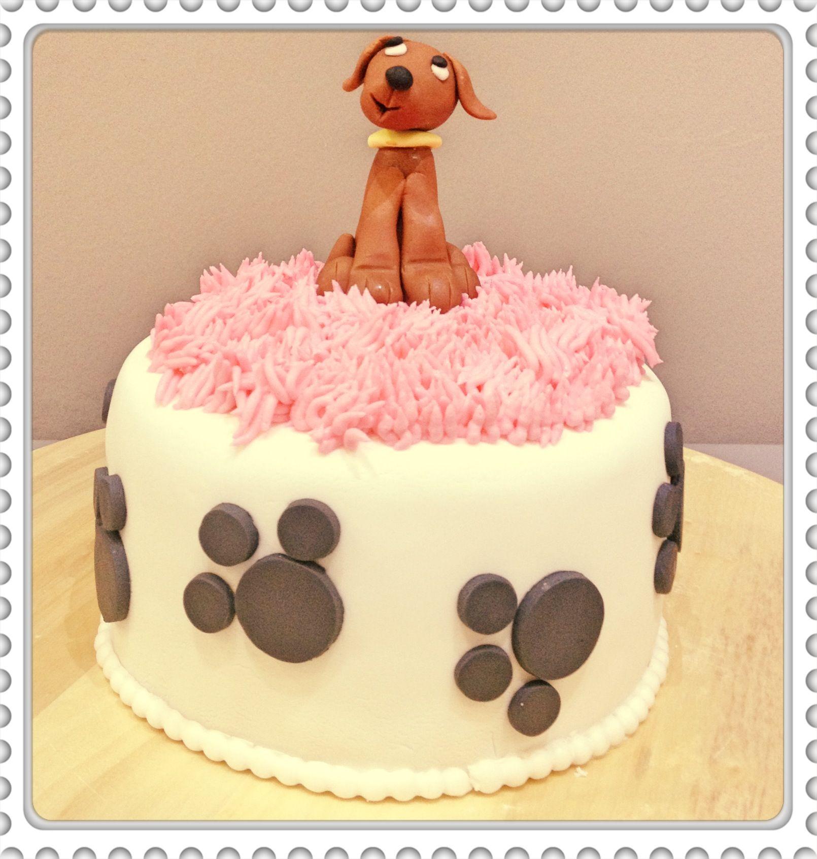 Pastel con un perrito modelado!  #bautizo #sibarum #sitges #cake #dogscake