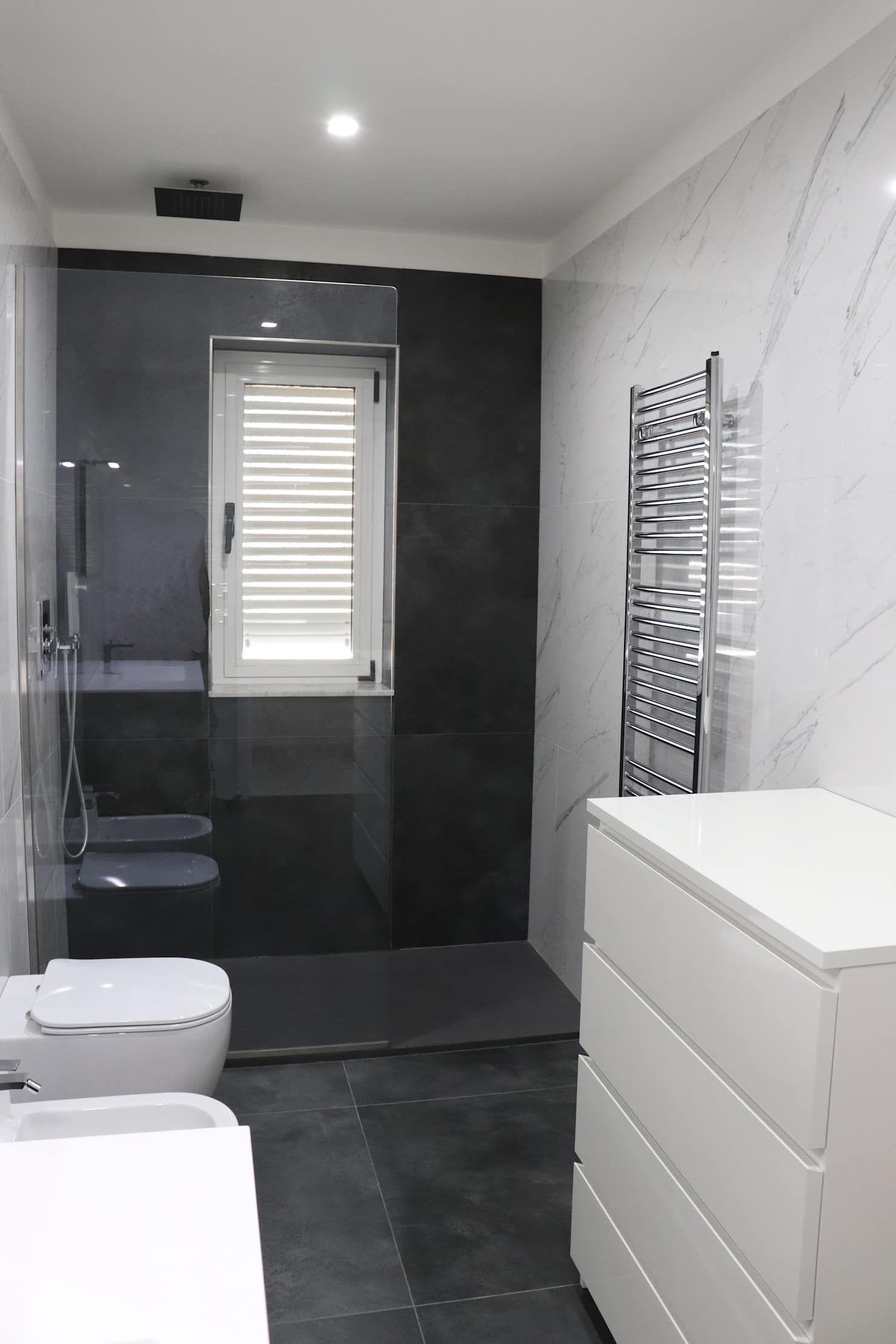 Photo of Abitazione privata – andria bagno moderno di aeffe ceramiche moderno piastrelle | homify