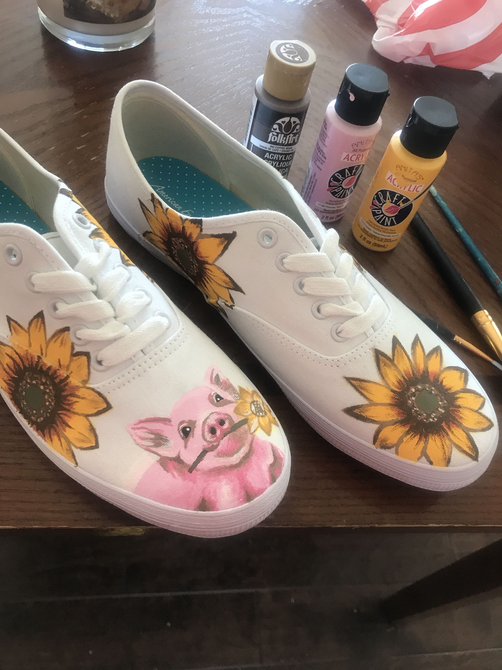 370942324731e1 Sassy sneakers by Julia