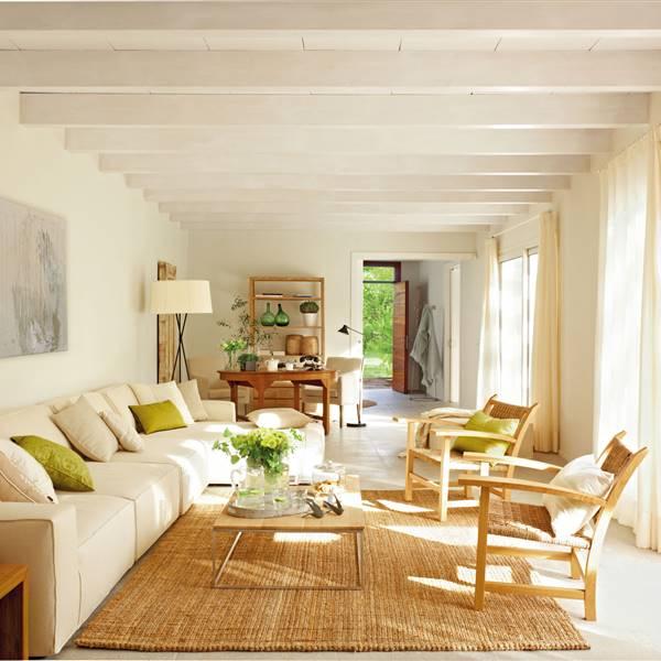 10 Desastres Decorativos Que Debes Evitar Al Iluminar La Casa Piso Interiores Iluminacion Salon Casa Muebles