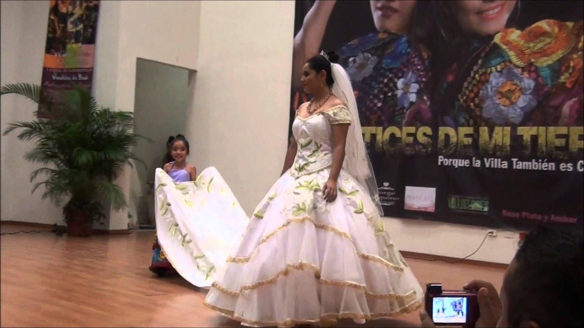 Pasarelas con ropa chiapaneca de la diseñadora Cecilia Mundo en Villaflores  | Trajes tipicos de mexico, Disenos de unas, Ropa