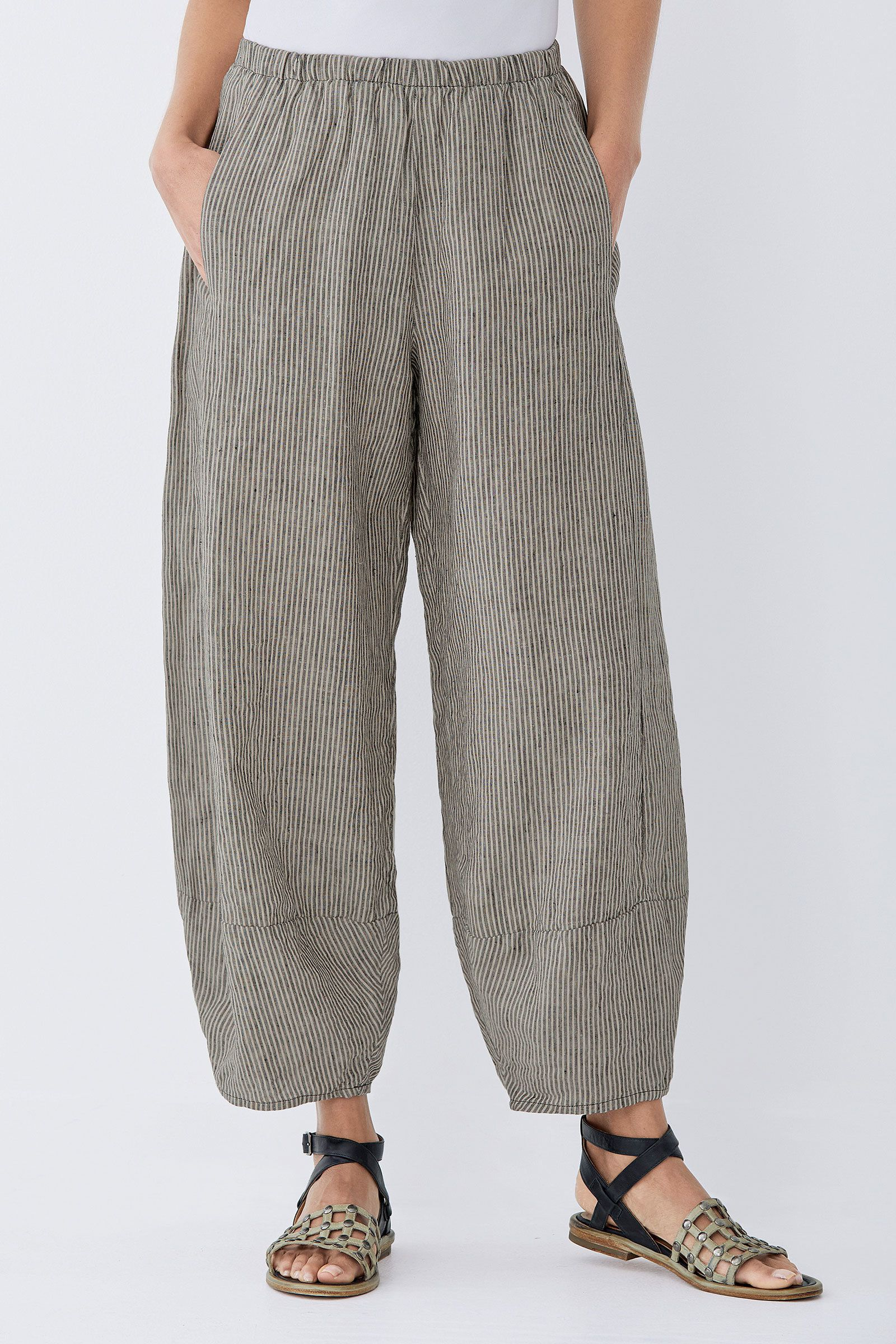 028cba3a2919d Linen Lantern Pant by Lisa Bayne . Beloved for its easy fit and distinctive  lantern shaping