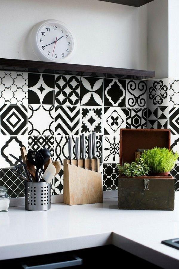 19 id es pour une cr dence adh sive imitation carreaux de ciment adh sif pinterest tiles. Black Bedroom Furniture Sets. Home Design Ideas