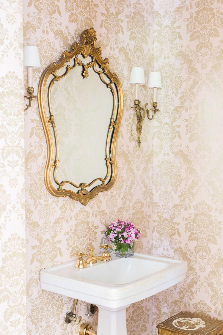 Badezimmerdesign für mädchen take a tour of this jewelbox of a home  decorating  pinterest