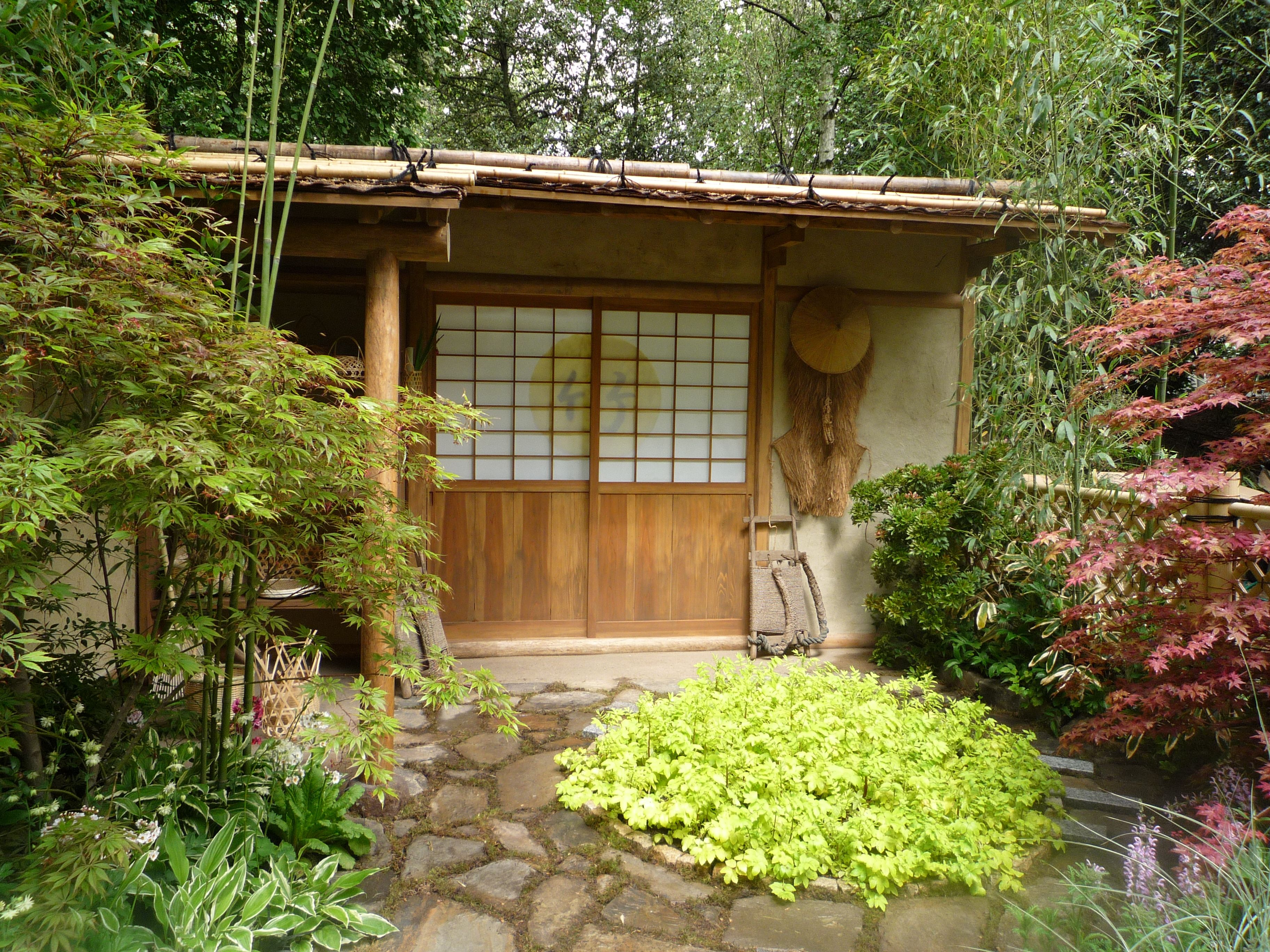 Japanese style summerhouse | Japanese tea house, Summer ...