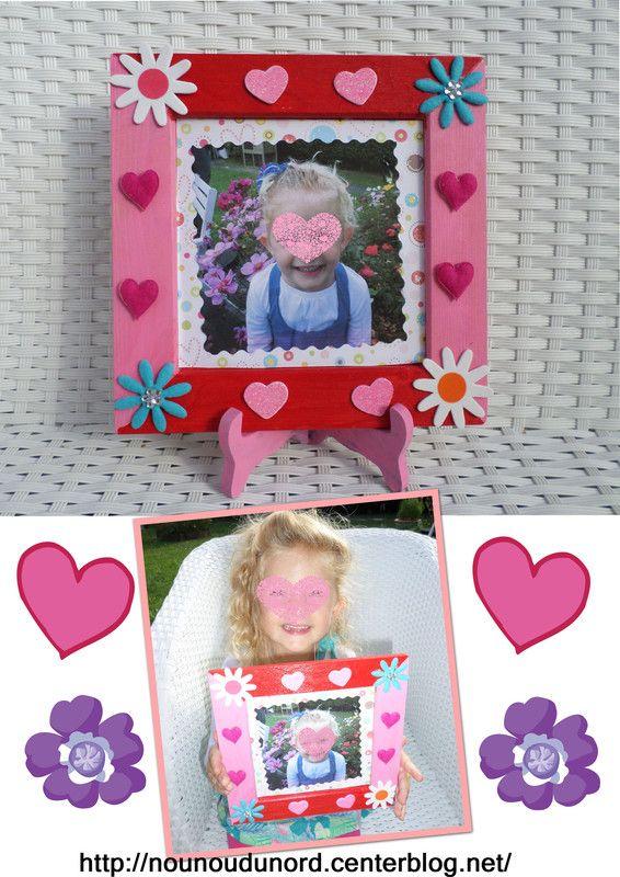 cadre photo peint en rouge et rose d cor de belles gommettes pour sa maman http nounoudunord. Black Bedroom Furniture Sets. Home Design Ideas