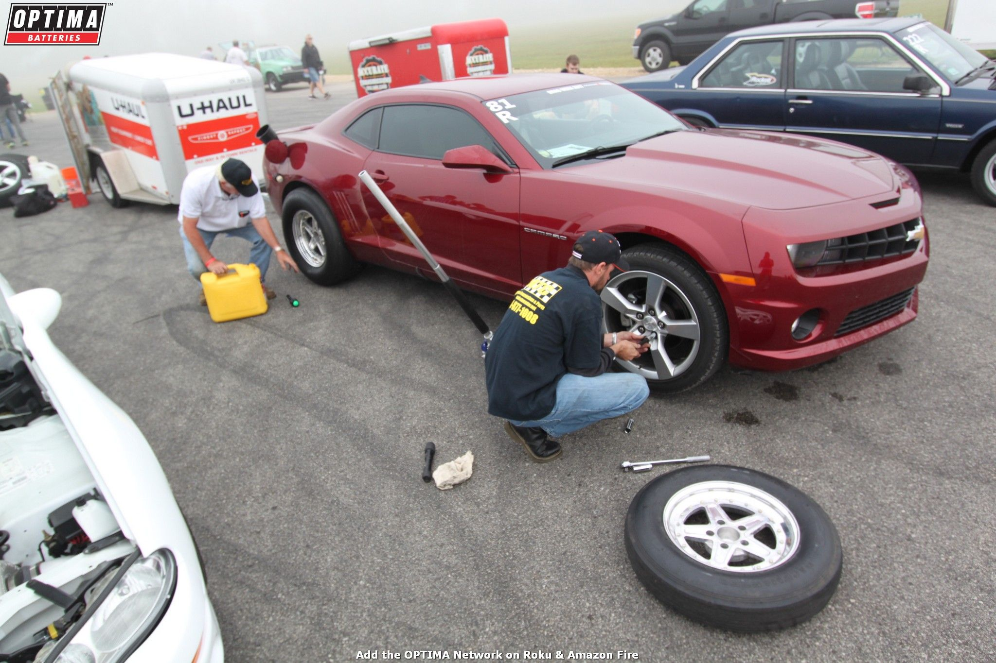 Wayne Willis Swapping Out Tires On His 2010 Chevrolet Camaro At