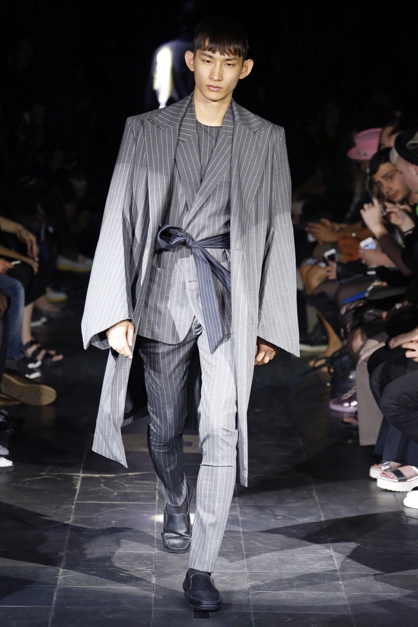Belted with a tie - Kimono styling - Y/Project Spring 2016 Menswear Fashion Show