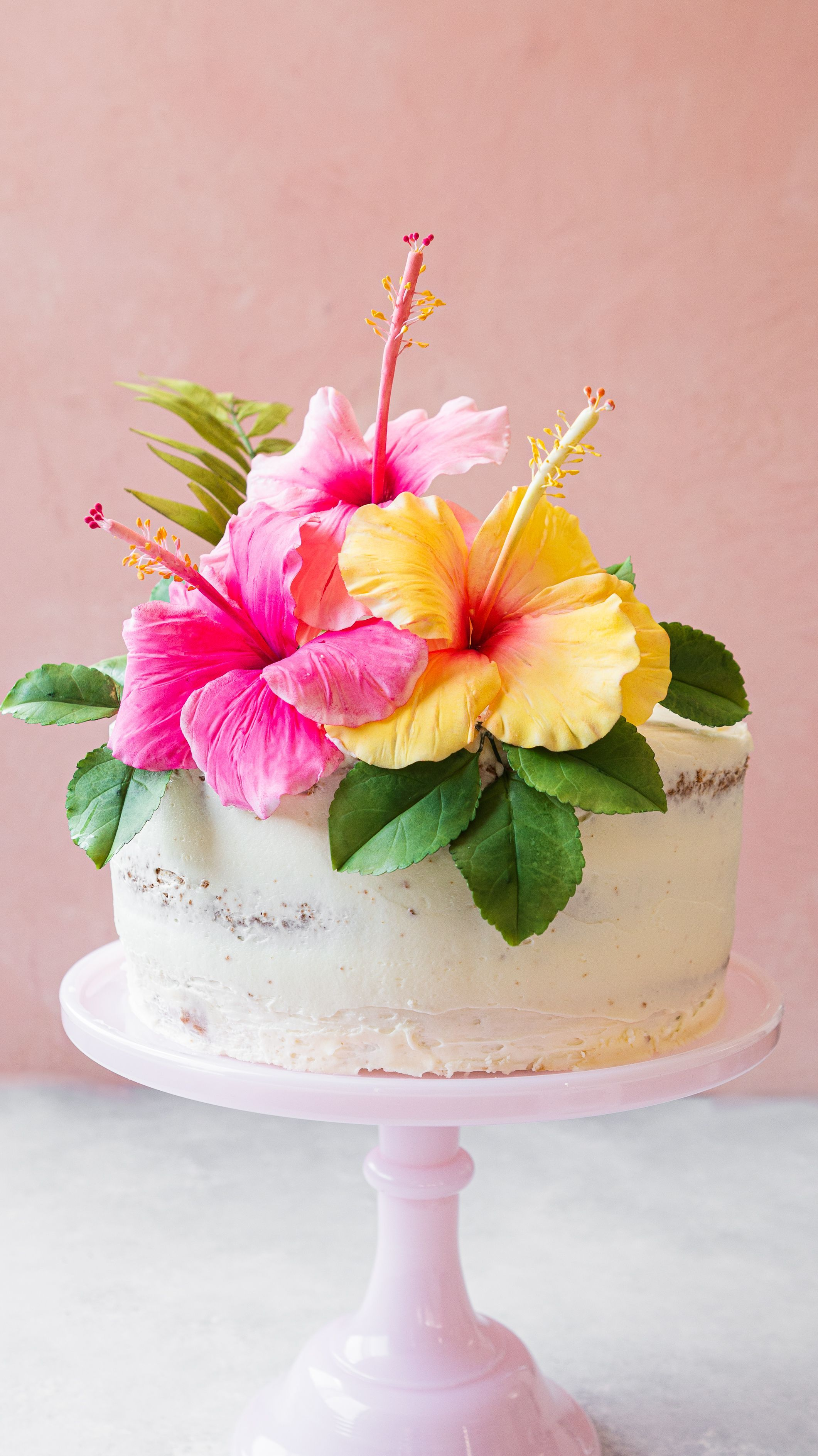 Want To Know The Inside Scoop On How To Make Gorgeous Sugar Flowers For Cakes And Confections Look No Hibiscus Cake Edible Flowers Cake Tropical Birthday Cake