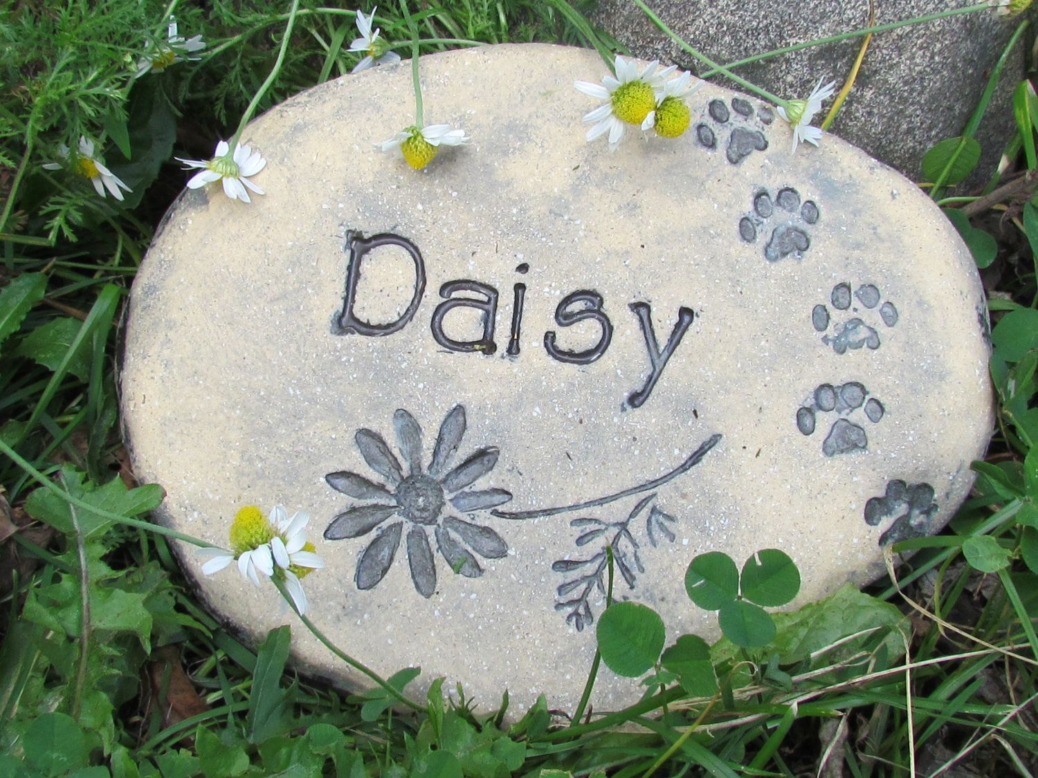 Personalized Pet memorial stone Customized in your OWN