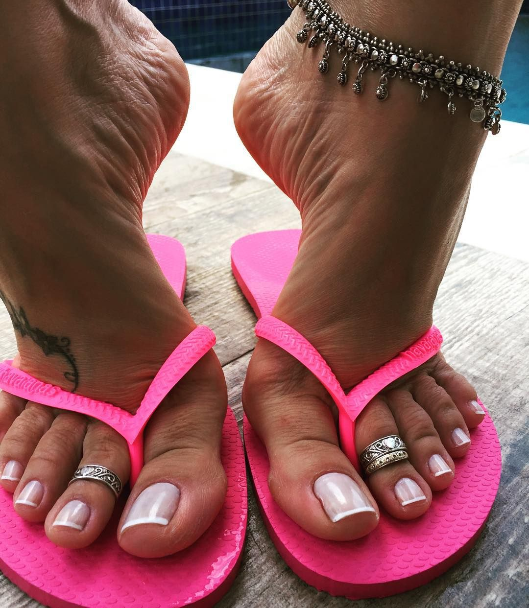 Want sexy feet in summers
