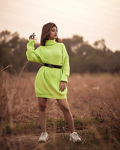 Arishfa Creates 'Neon Drama' In Her Latest Pic!