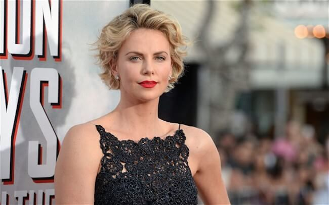 Charlize Theron can speak Afrikaans...