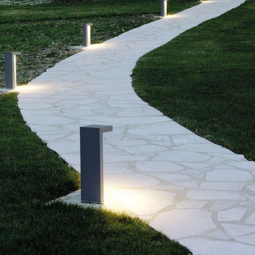Bolardo de iluminación para jardín / moderno / de aluminio / LED