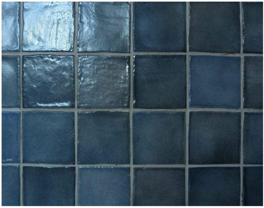 Renueva tu baño o cocina pintando la pared de azulejos y ahorra en