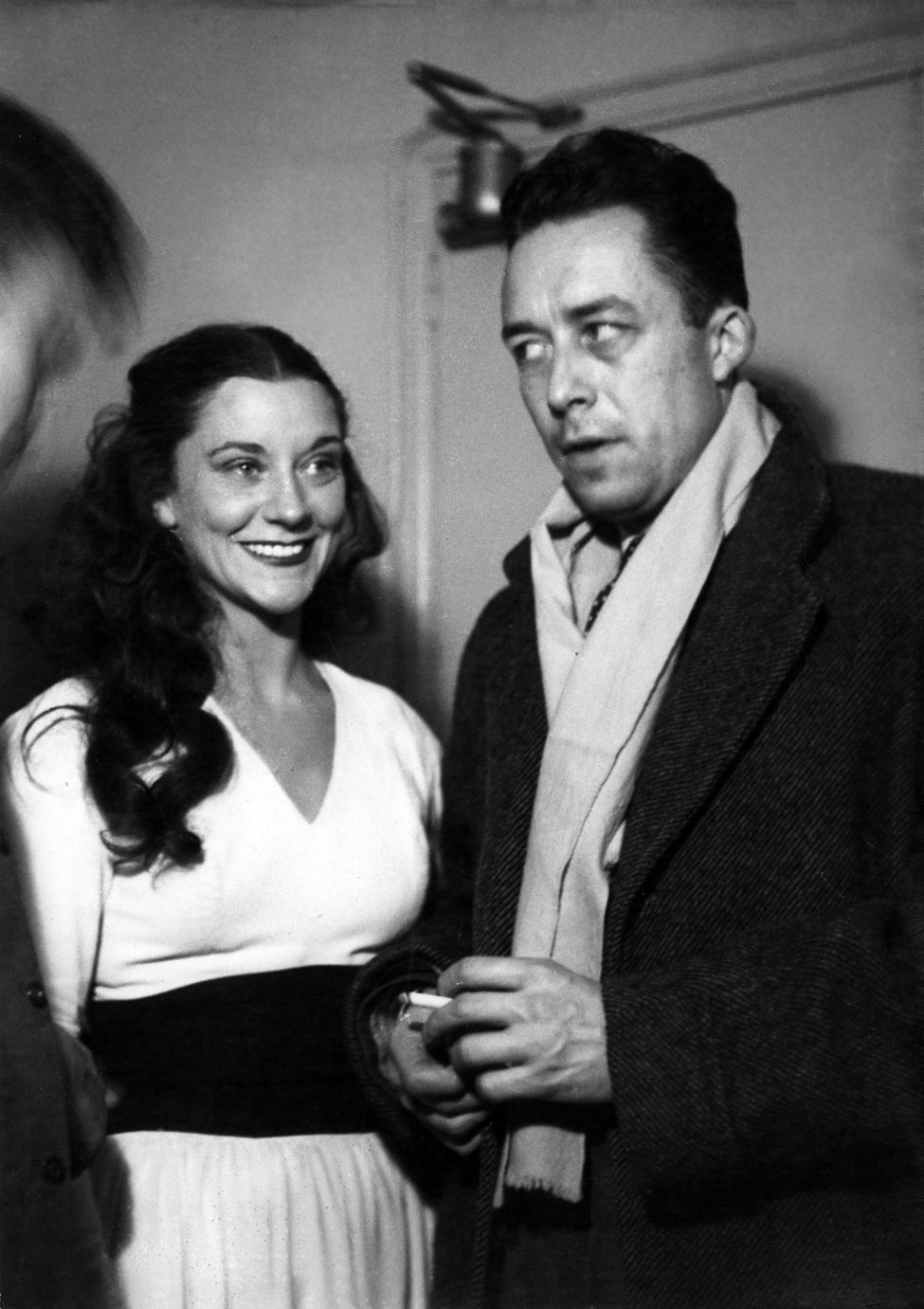 Maria Casarès et Albert Camus, au théâtre Marigny, en 1948 ...