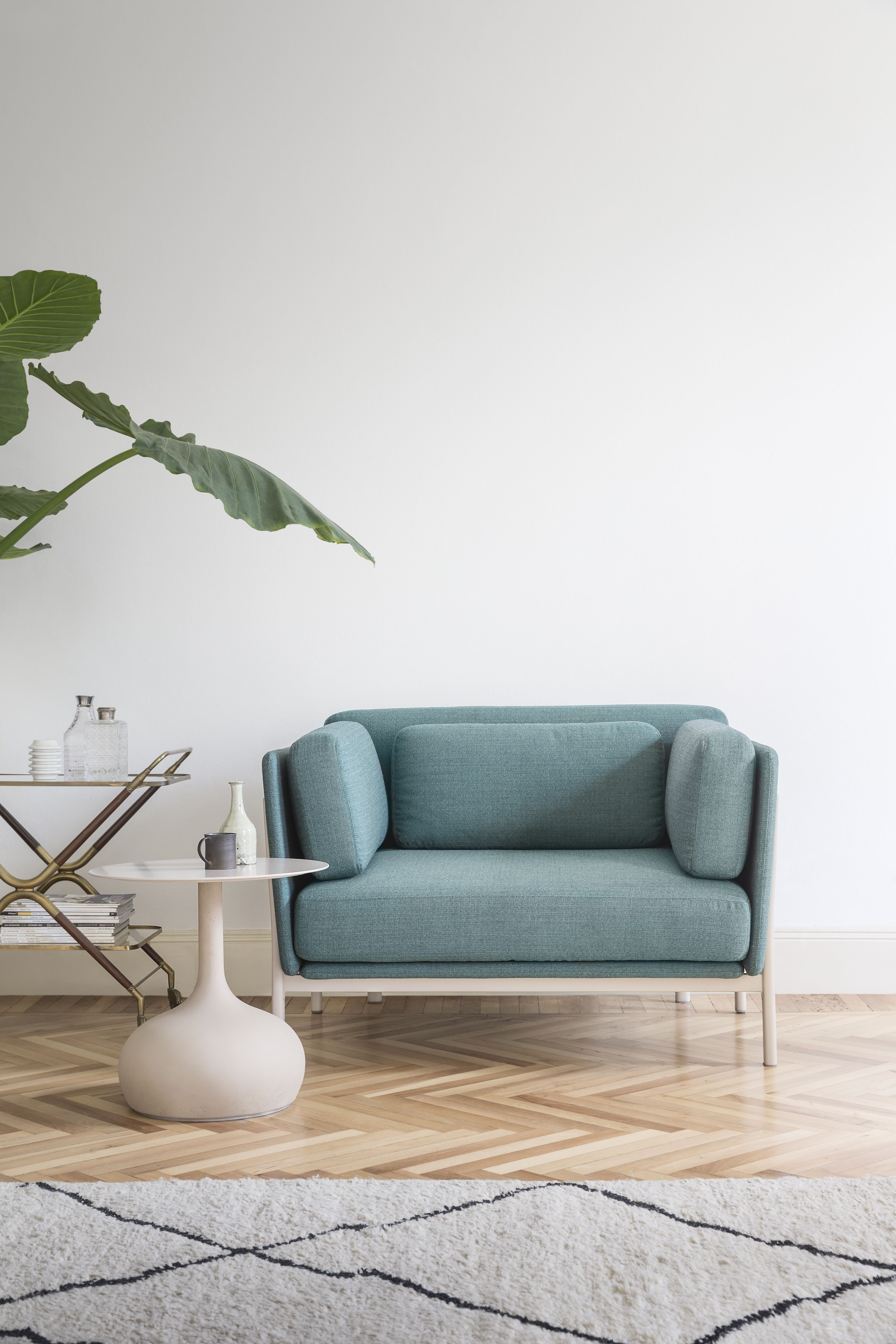 twelve armchair by PearsonLloyd & saen xs small table by Buratti ...