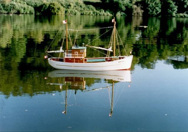 Artur fishing boat scale model plans projects to try for Rc fishing boat
