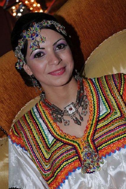 Pingl par sabrina sab sur kabylie pinterest femme for Maison kabyle moderne