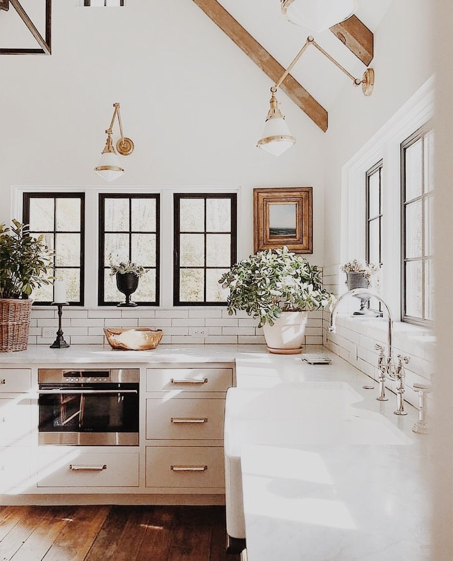46 Fabulous Country Kitchen Designs Ideas: ABSOLUTELY LOVING THIS GORGEOUS ALL WHITE KITCHEN, FILLED
