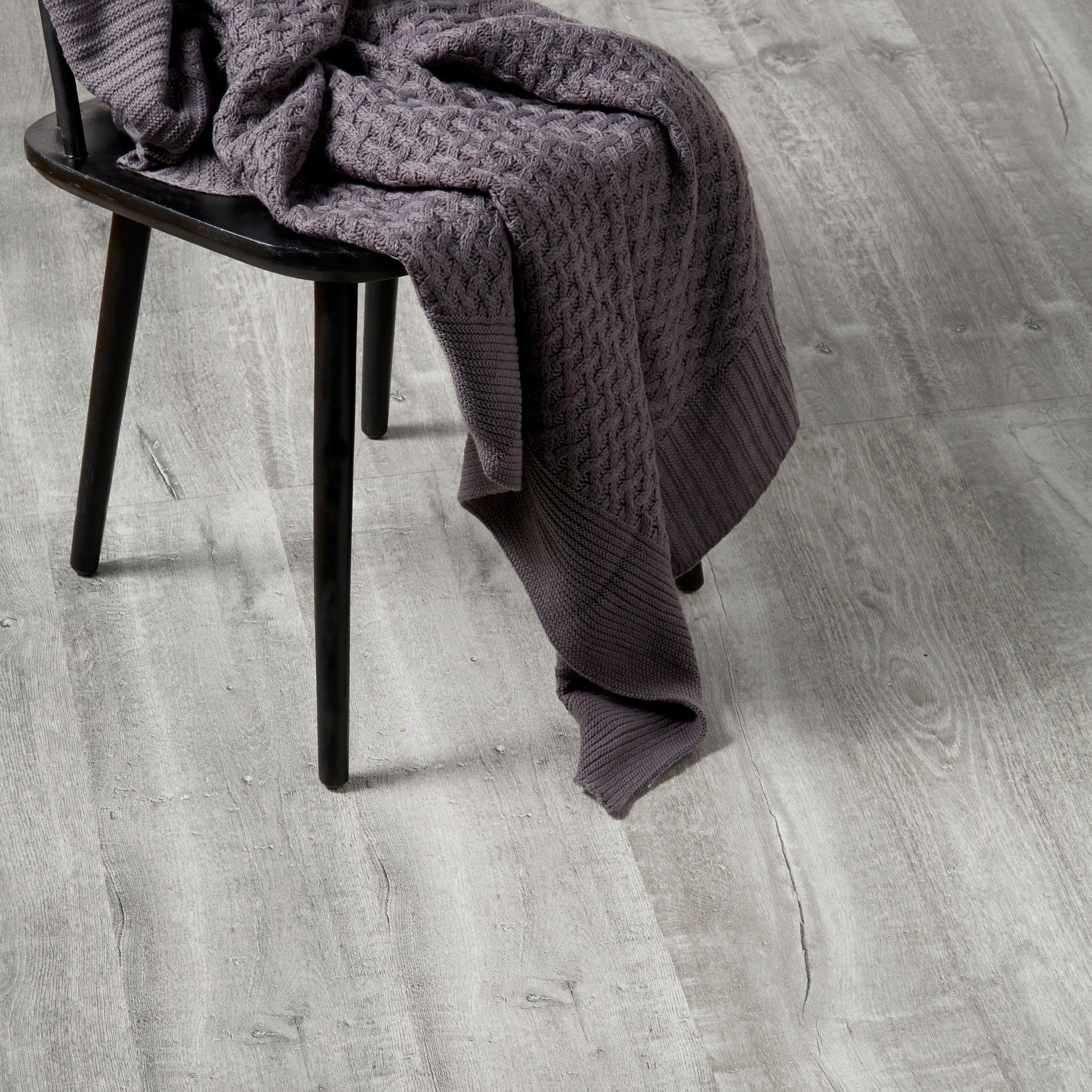 Aberfeldy grey oak effect laminate flooring 1996 m pack aberfeldy grey oak effect laminate flooring 1996 m pack dailygadgetfo Images