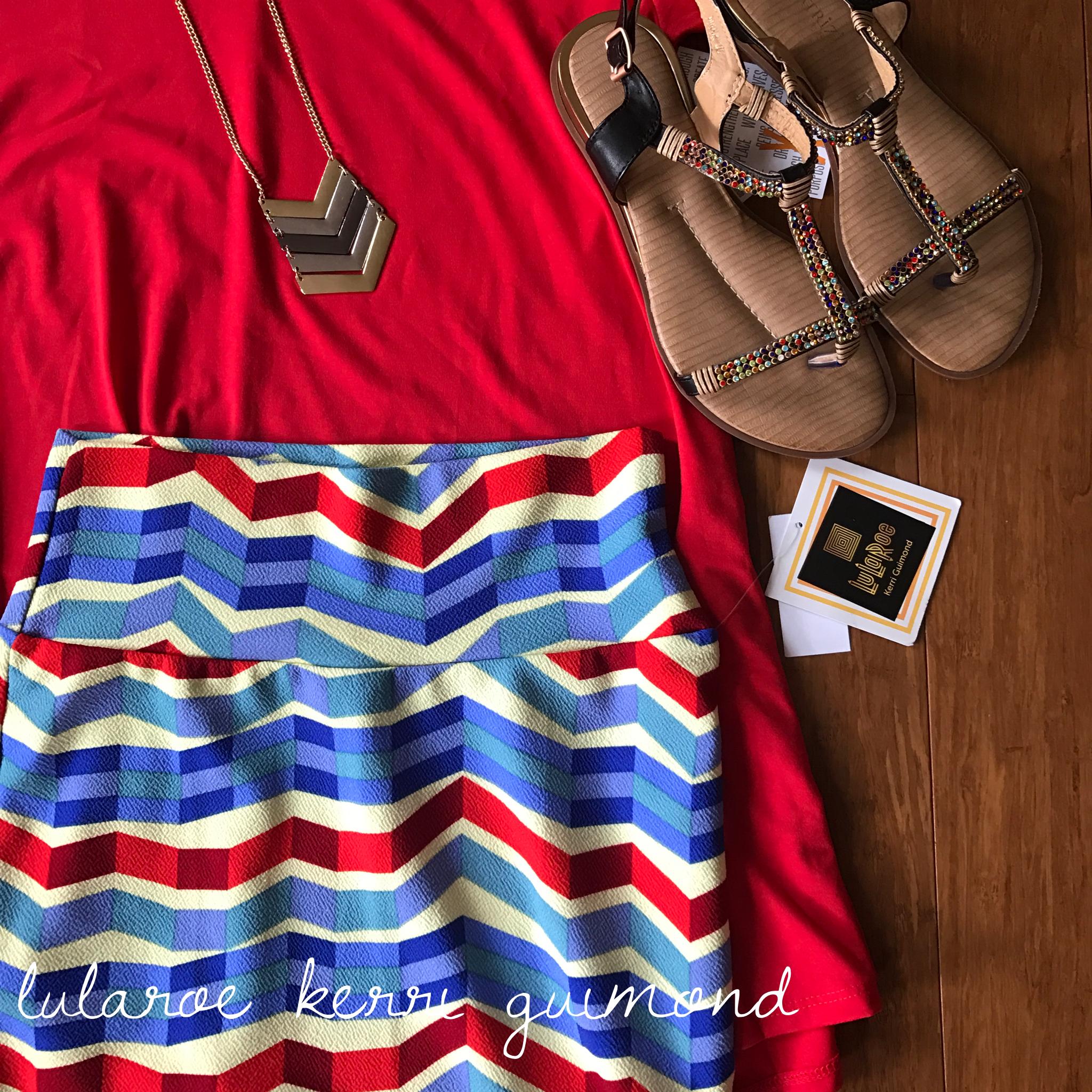 What a stunning lularoe Cassie skirt and perfect t combo!  https://www.instagram.com/lularoekerriguimond/