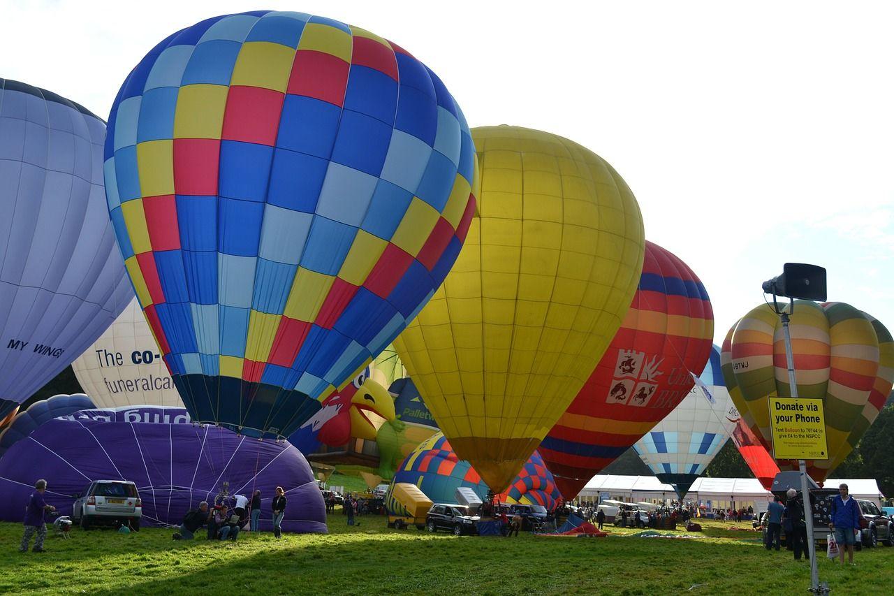 Travel, Balloon Hot Air Balloons Flying Bristol Uk travel