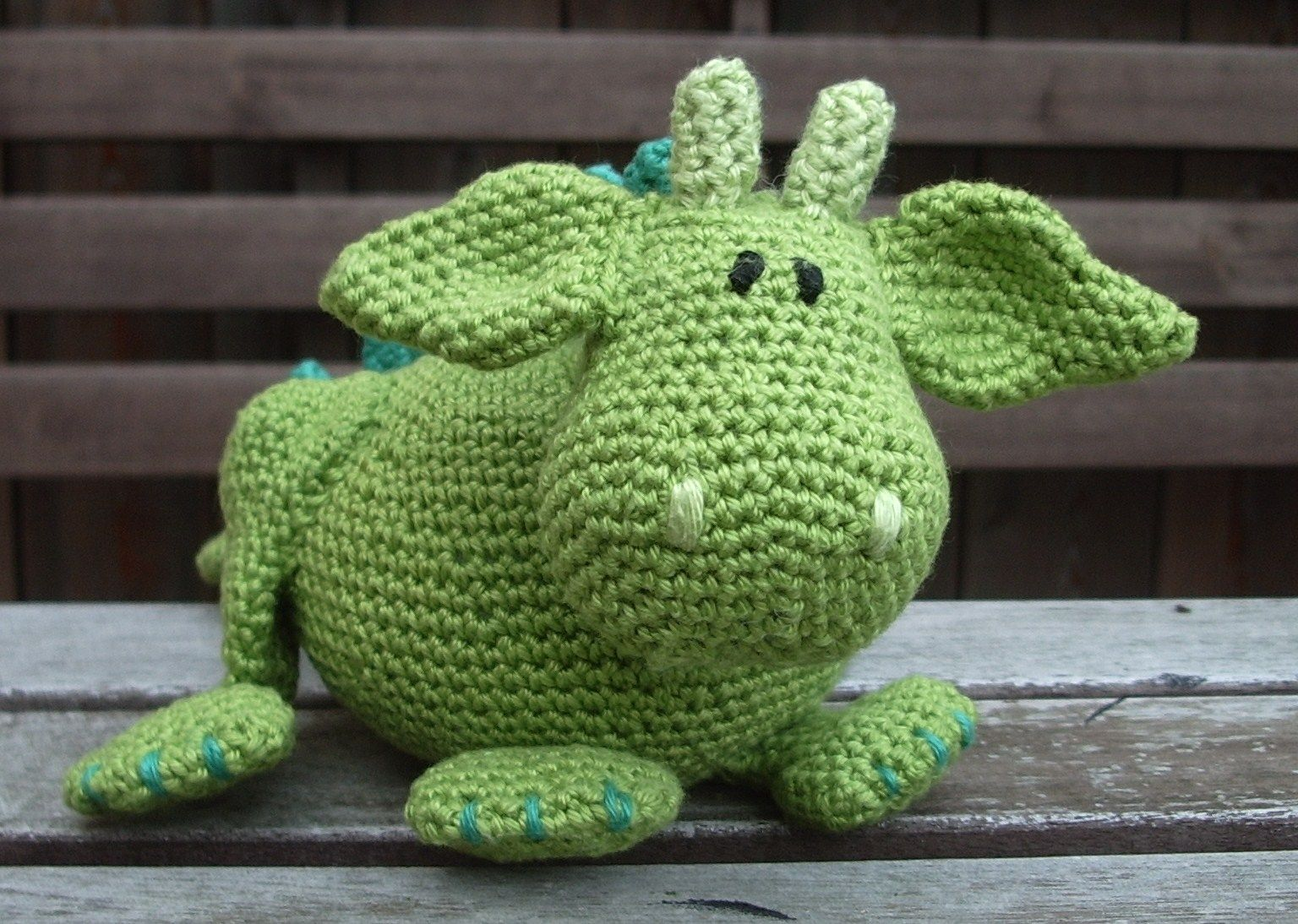 Cute crocheted dragon, pattern from a book (Amigurumi and more - Tessa van Riet-Ernst)
