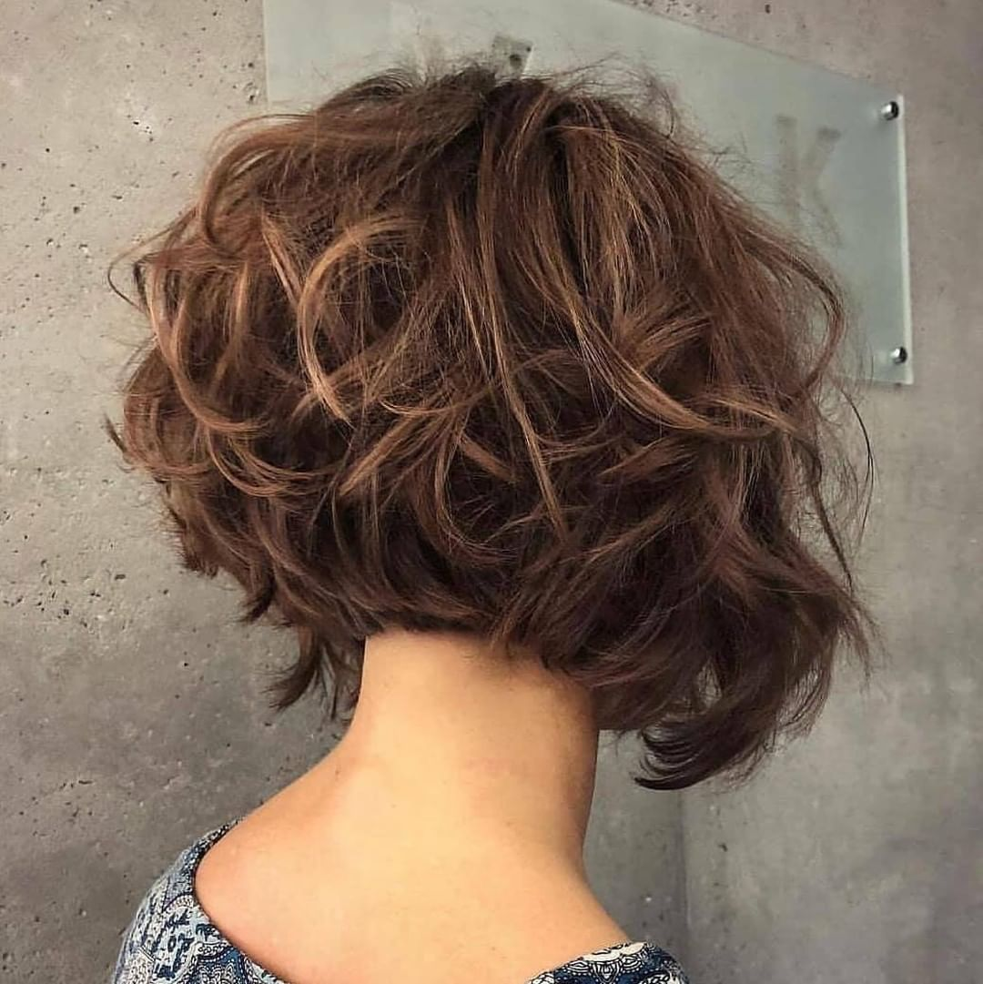 10 Manageable Trendy Bob Haircuts For Women Short Hairstyle 2020 2021 Thick Hair Styles Short Layered Haircuts Short Layered Curly Hair
