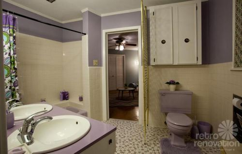 Sarahu0027s Lavender Purple Bathroom Restoration   Including Her Experience  With Miracle Method To Recoat The Tub And Counter Top